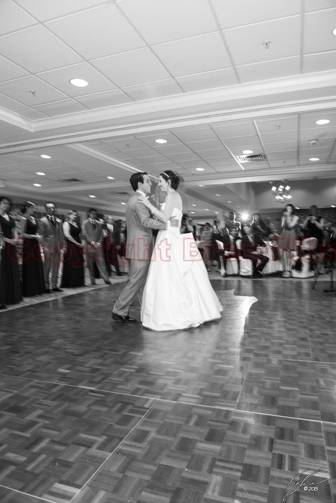 Couple dancing (Black & White)